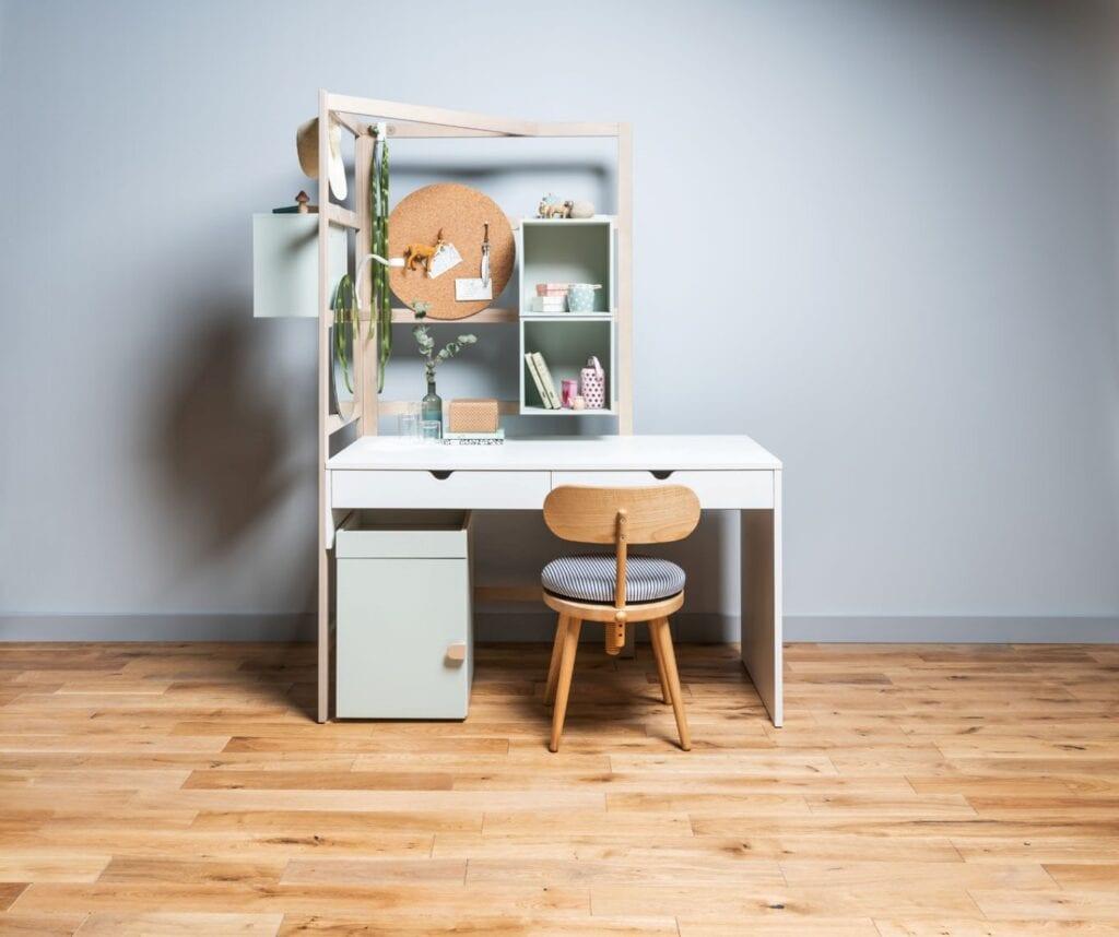 Czas na nowe biurko dla dziecka - porady od VOX