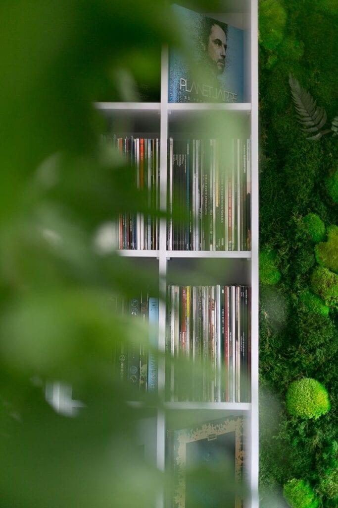 Pracownia PROJEKTYW i mieszkanie w monochromatycznej odsłonie - Paulina Zwolak, Jakub Nieć - zdjęcia WNĘTRZA KRAKÓW – Jakub Dziedzic