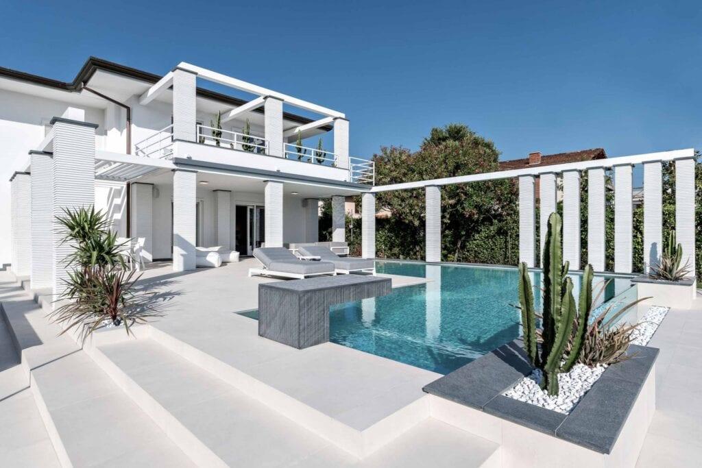 Przydomowy basen - wymarzony relaks o każdej porze - Laminam - Forte dei Marmi Villa Due