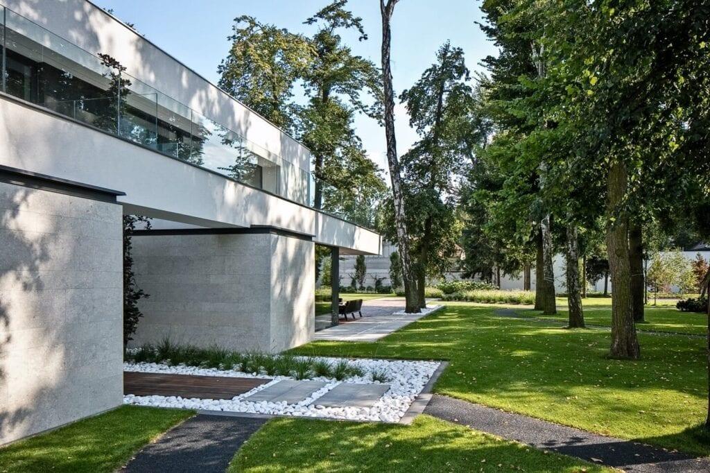RE: LONG HOUSE - dom projektu REFORM Architekt z nagrodą ICONIC AWARDS 2020 - projekt Marcin Tomaszewski