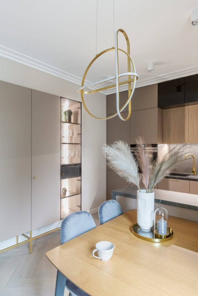 Decoroom i modern classic w stylowym apartamencie - zdjęcia Marta Behling, Pion Poziom
