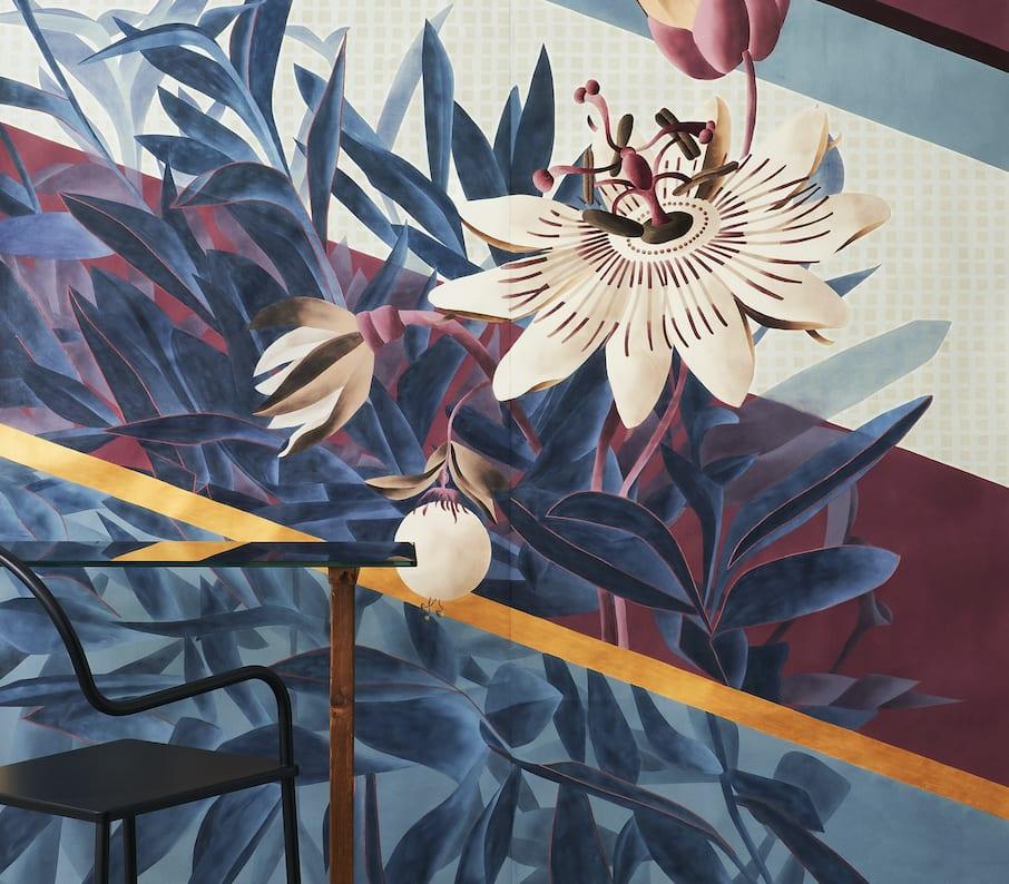 Esotismi - kolekcja jedwabnych tapet marki Misha - Passiflora