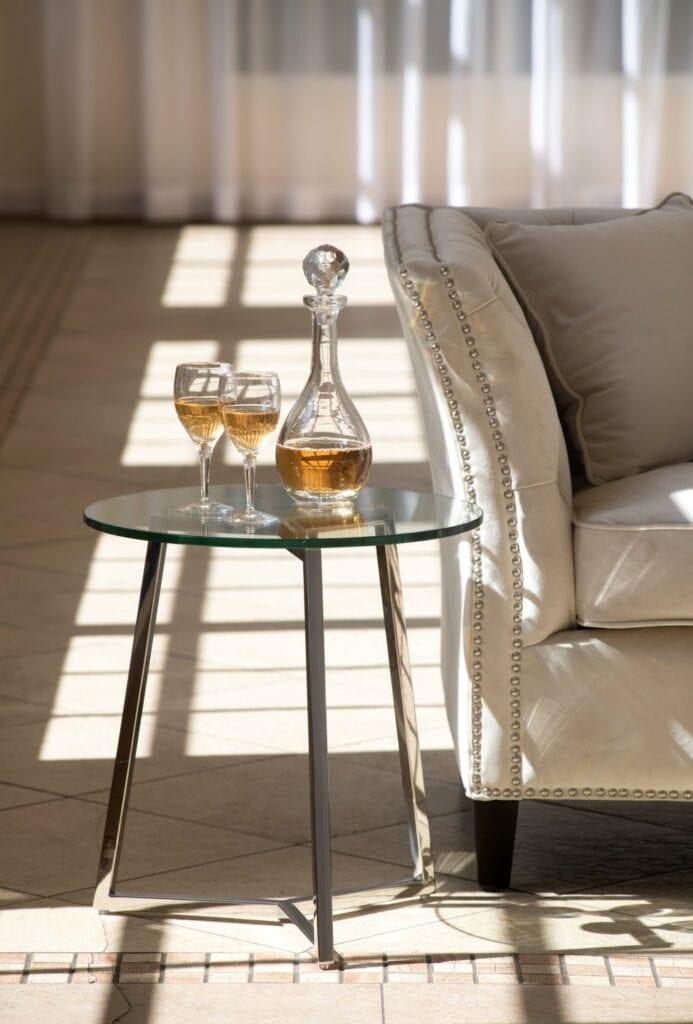 Kolekcja mebli i dodatków Salted Caramel od Miloo Home