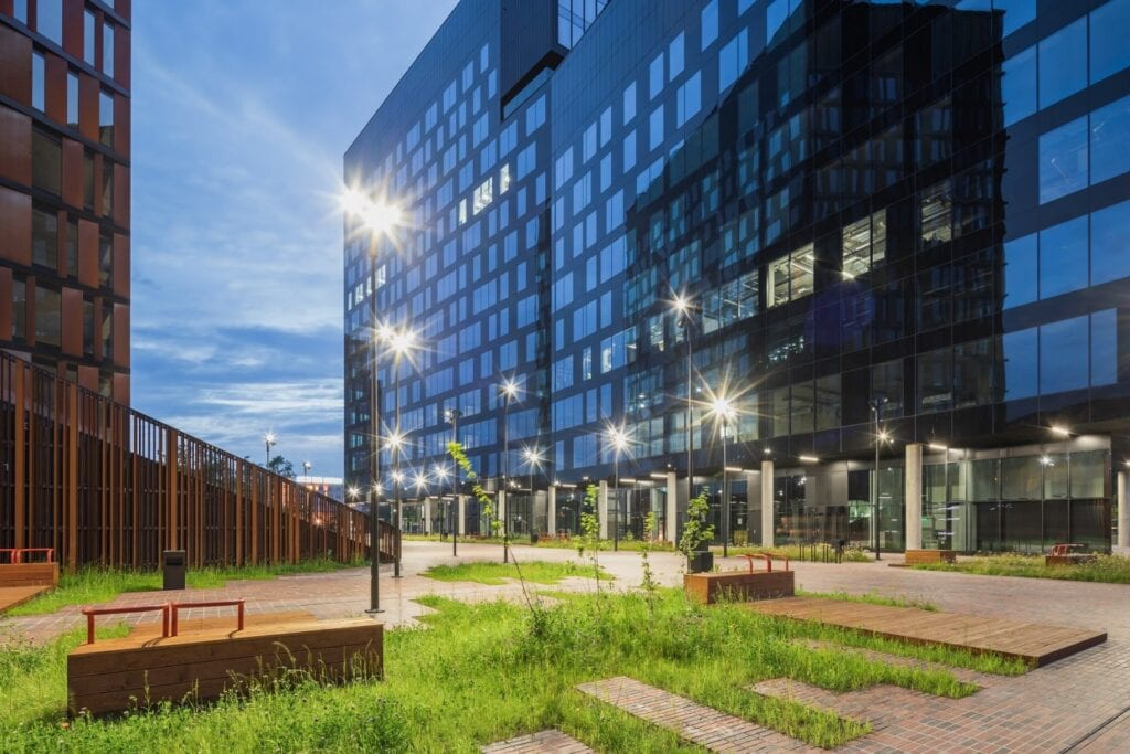 Łódzka Brama Miasta - nawiązanie do industrialnej historii miasta - zdjęcie Rafał Tomczyk