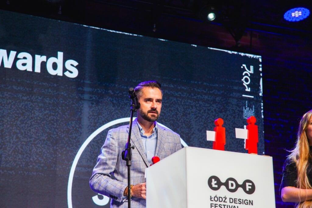 ŁDF2020 - make me - wręczenie nagród w konkursie, przemawia prezes zarządu Ceramiki Paradyż, Jurand Brzeziński - fot. Aleksandra Pawłowska