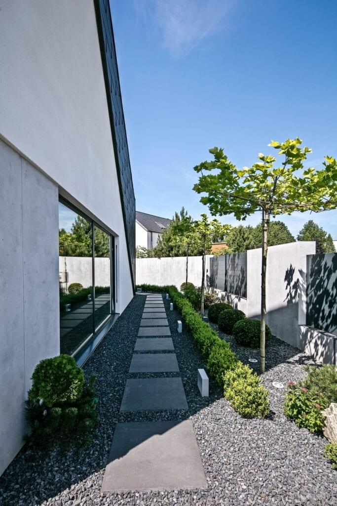 RE: TRIANGLE HOUSE - dom na planie trapezu od REFORM Architekt - Marcin Tomaszewski
