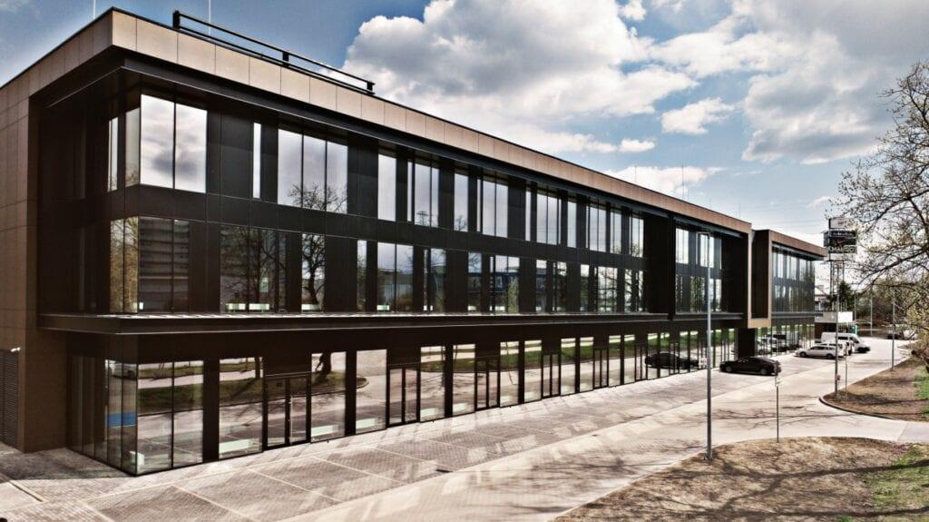Salon motocyklowy dla grupy Liberty Motors - Marcin Tomaszewski - Reform Architekt