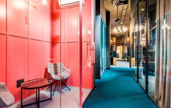 Biuro firmy JFM Furniture projektu pracowni Bracia Burawscy Architekci
