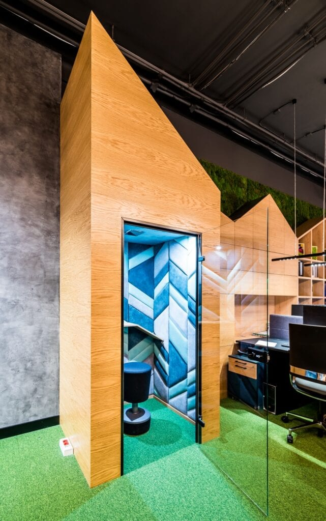 Biuro firmy JFM Furniture projektu pracowni Bracia Burawscy Architekci - zdjęcia Marcin Mularczyk