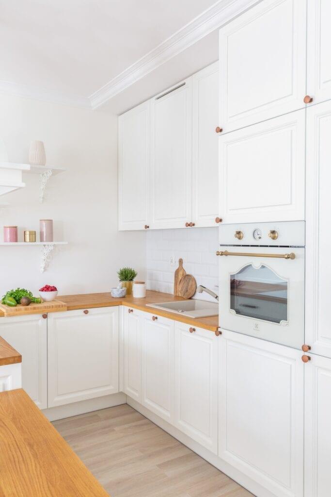 Decoroom i czterdziestometrowe mieszkanie ze szczyptą retro - Zdjęcia i stylizacja: Marta Behling, Pion Poziom – fotografia wnętrz