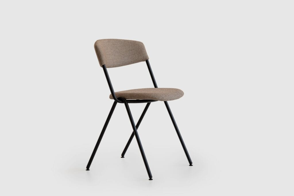 Kolekcja krzeseł EKE projektu Nikodema Szpunara