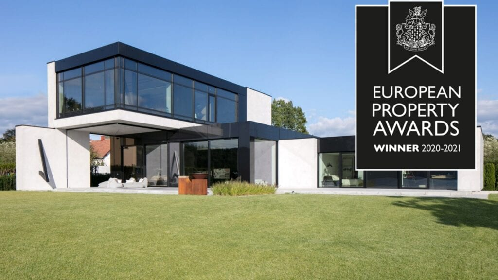 RE: LAKESIDE HOUSE REFORM Architekt - Marcin Tomaszewski z nagrodą European Property Awards 2020-2021