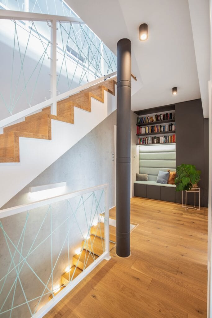 Beton, drewno i wzorzyste akcenty w realizacji Zu Projektuje - foto Pion Poziom