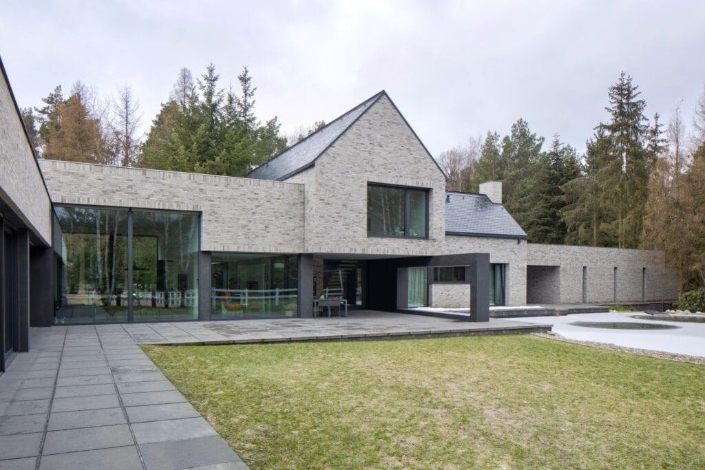 Dom RE: HORIZONTAL HOUSE projektu REFORM Architekt - Marcin Tomaszewski