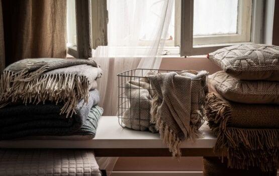 Jak wybrać tekstylia do naszych wnętrz – radzi Małgorzata Bernady