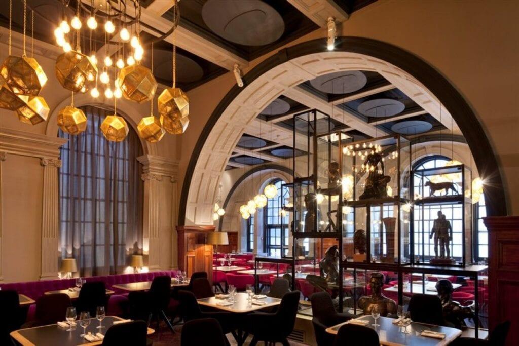 Tom Dixon - brytyjski projektant i wizjoner - restauracja The Royal Academy w Londynie