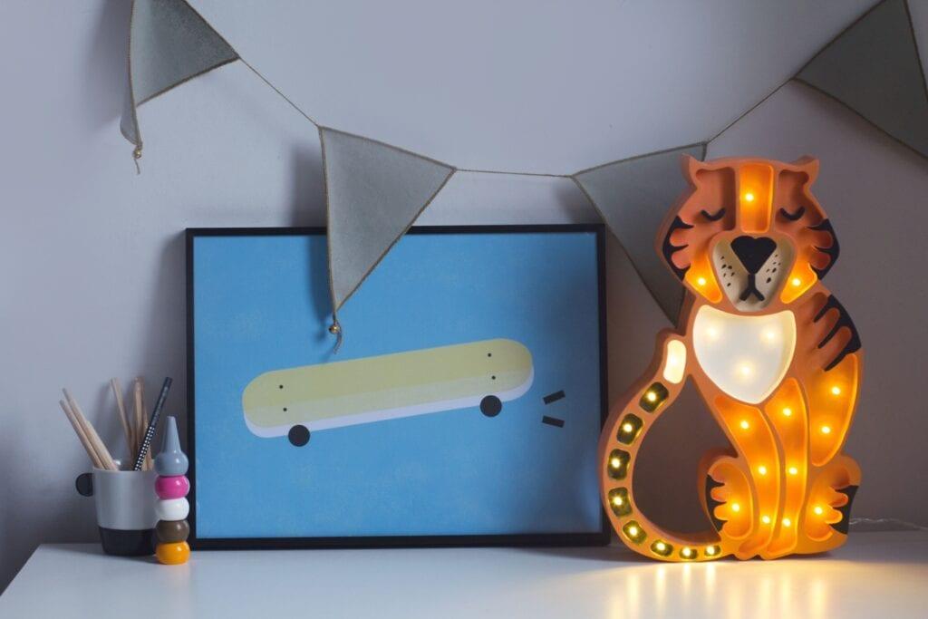 7 pomysłów na prezent świąteczny dla dziecka - Lampa Little Lights - Tygrys