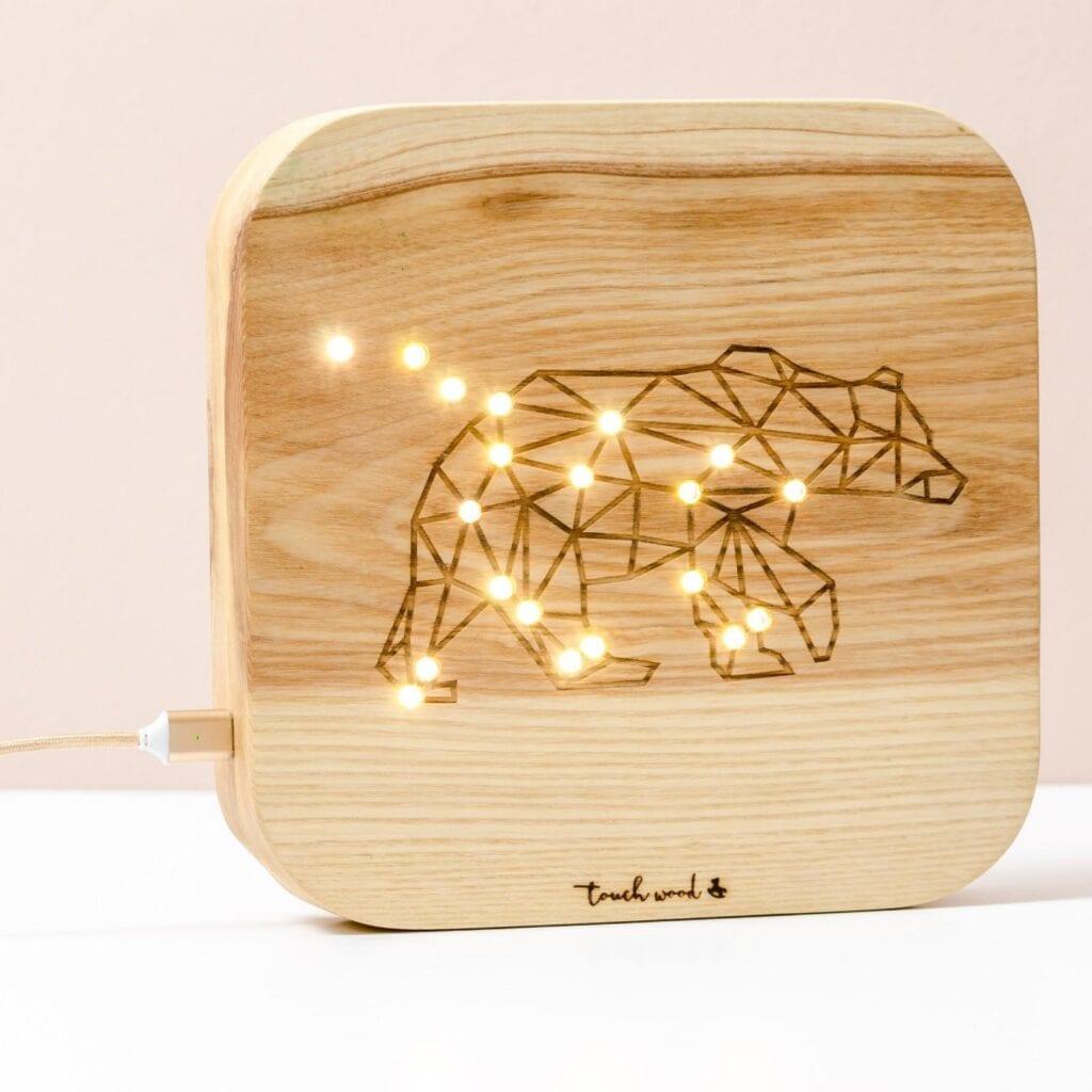 7 pomysłów na prezent świąteczny dla dziecka - Touch Wood - Lampka Gwiazdozbiory - Wielka Niedźwiedzica