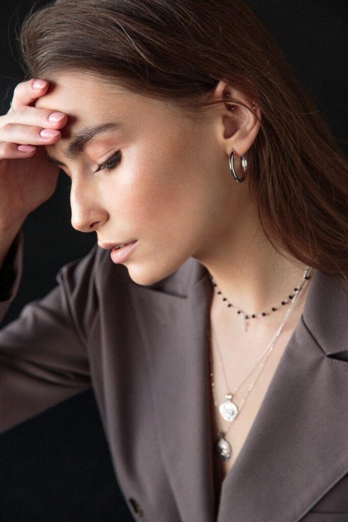 7 pomysłów na prezent świąteczny dla kobiety - Wyjątkowa biżuteria Ani Kruk - foto Niedziela Studio