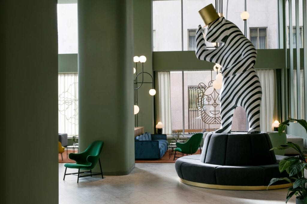 Jaime Hayon - design, humor i emocje - Garra Bar