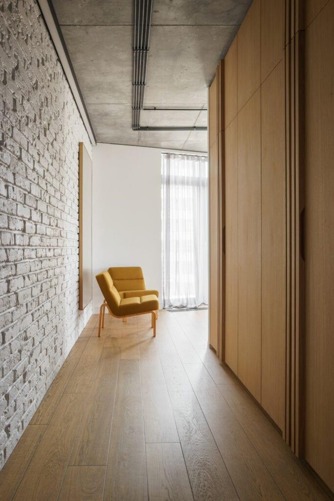 Qbik Loft w Warszawie projektu pracowni Loft Kolasiński - foto Joel Hauck