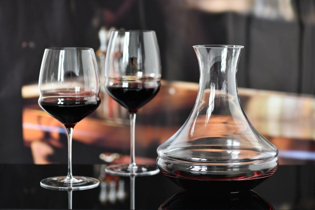 Ręcznie formowana kolekcja szkła Inel od Krosno Glass
