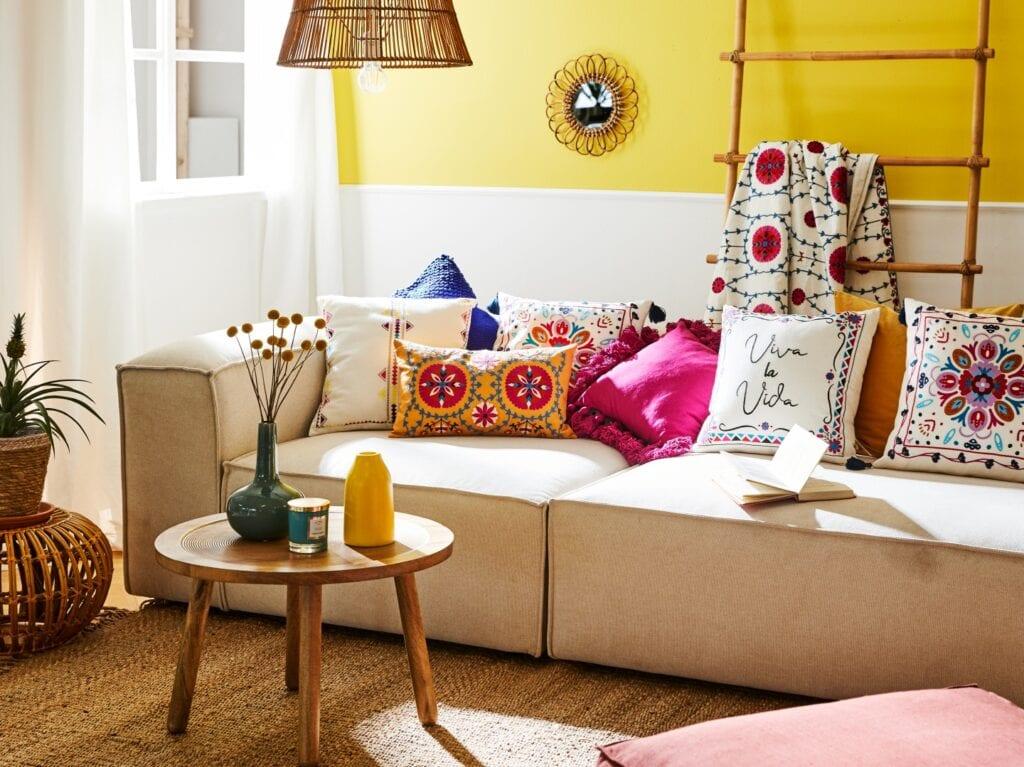 Wnętrza w kolorach Ultimate Grey i Illuminating Yellow