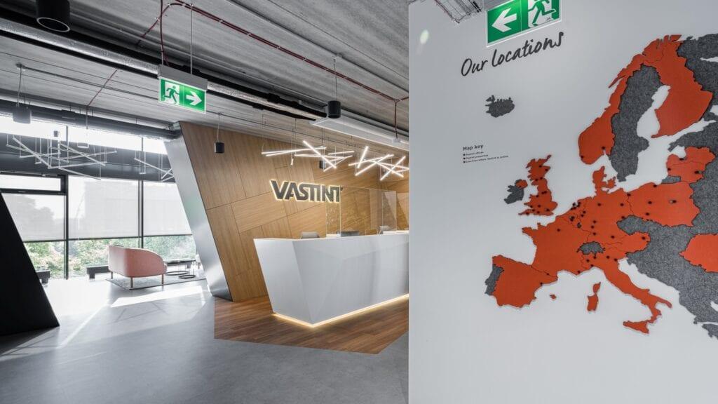 Biuro Vastint projektu pracowni Bit Creative - zdjęcia fotomohito