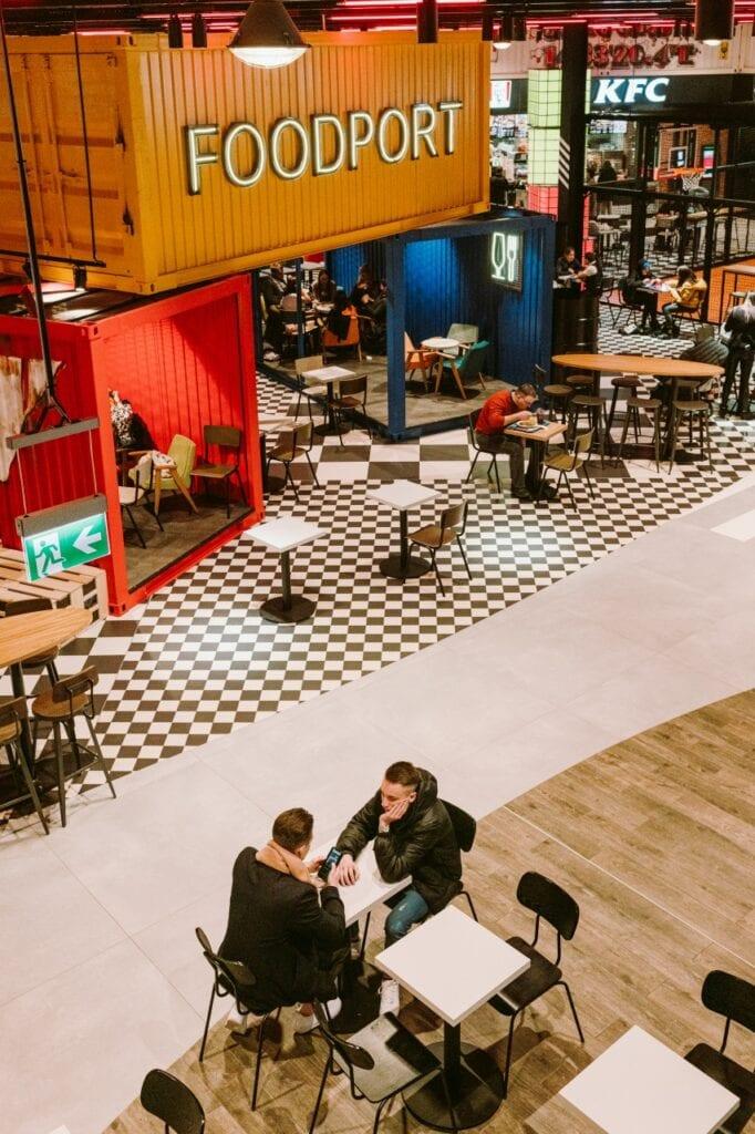 Foodport w CH Galaxy Szczecin – portowa przystań projektu MIXD - foto Studio Pion