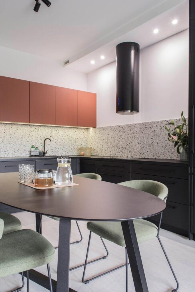 Pracownia Prosty Układ i klimatyczne mieszkanie krakowskim osiedlu