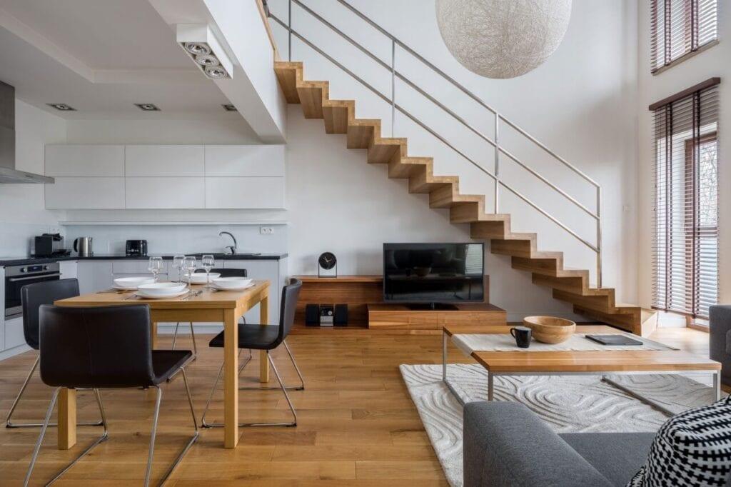 Blat nie tylko do kuchni! 8 nieoczywistych zastosowań dla blatów drewnianych w całym mieszkaniu