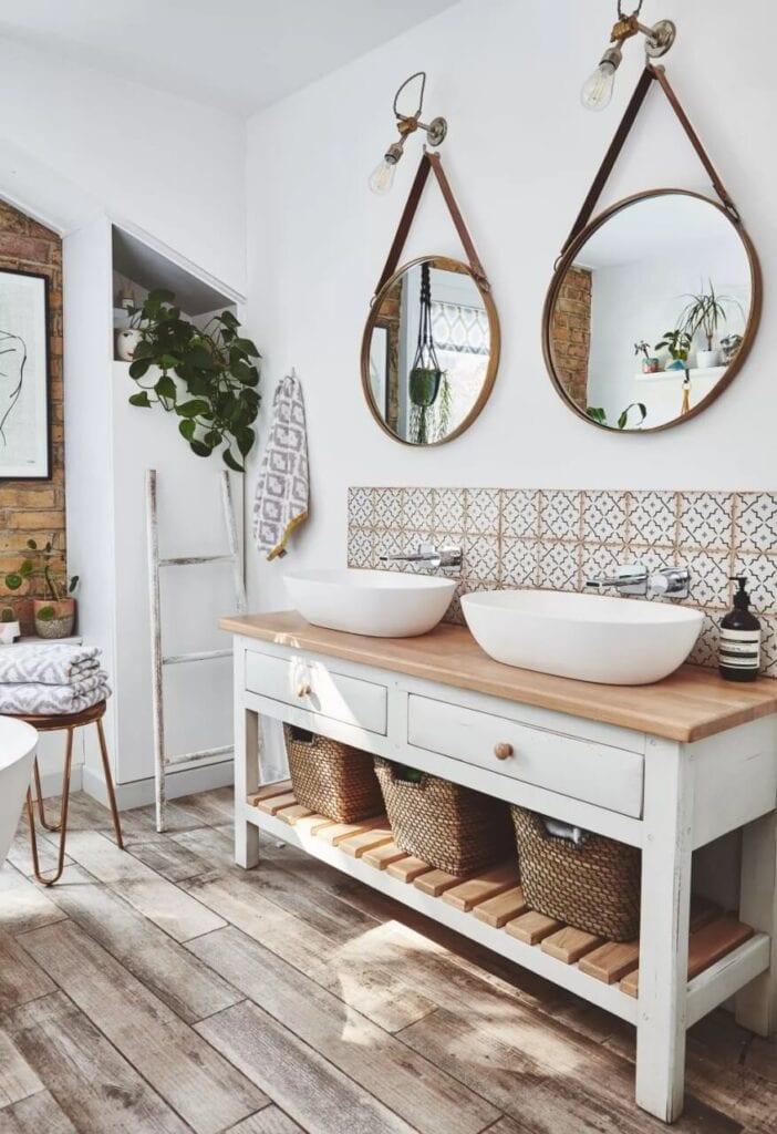 Aranżujemy łazienkę na poddaszu – porady i inspiracje - Foto Malcolm Menzies