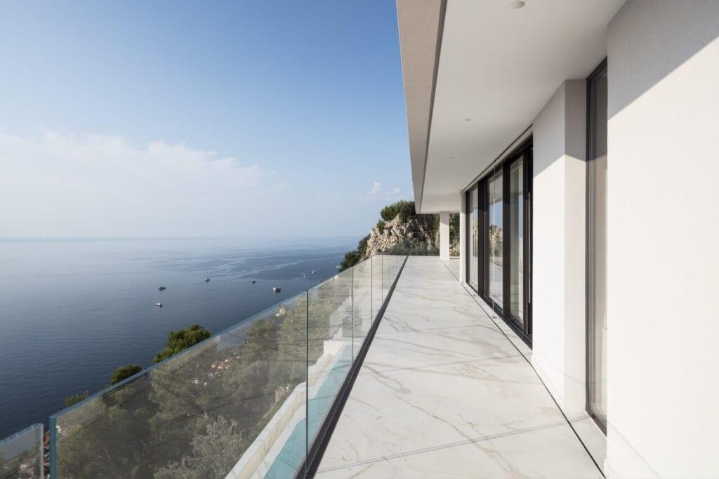Calvi Ceschia Viganò Architetti Associati i dom na Lazurowym Wybrzeżu