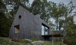 Chata w dolinie rzeki Kamenice projektu Mjölk architekti