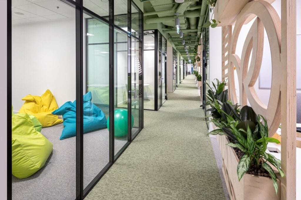 Warszawskie biuro Yves Rocher - tu liczy się zdanie pracowników - projekt Origameo - foto Szymon Polański
