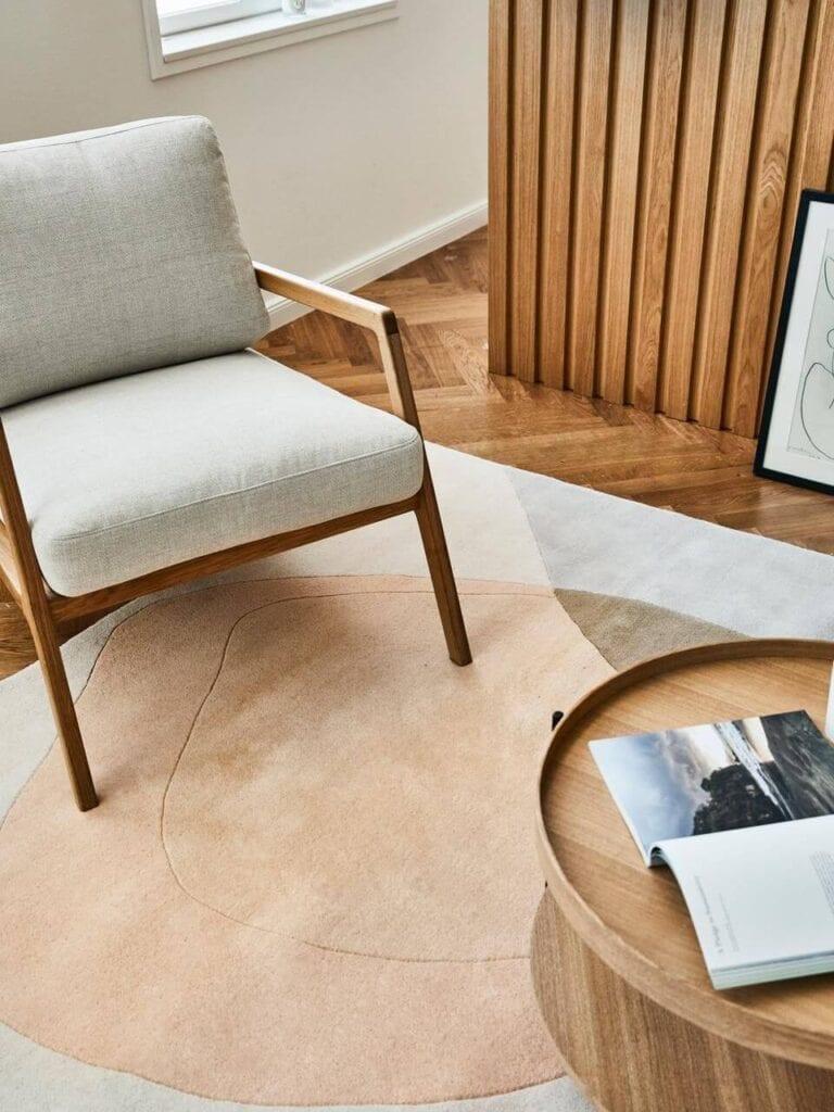 Westwing - najmodniejsze aranżacje w Twoim domu - Fotel z drewna orzecha włoskiego Becky