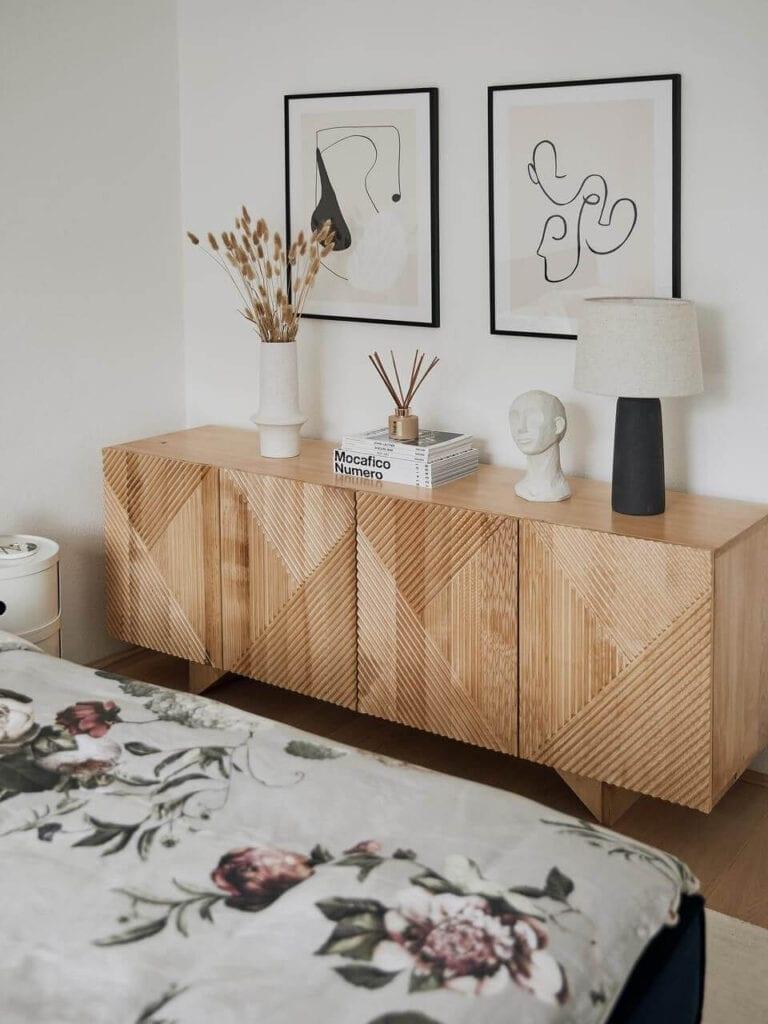 Westwing - najmodniejsze aranżacje w Twoim domu - Komoda z litego drewna mangowego z drzwiczkami Louis