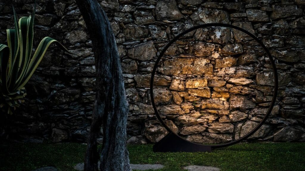 Artemide – wyjątkowe oświetlenie z włoską duszą - lampa O