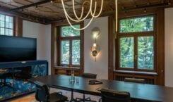 Biura w historycznej willi w Zurychu projektu Boris Kudlička with…