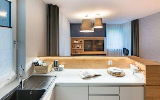 Komfortowe mieszkanie dla rodziny z dwójką dzieci od InDe Projekt