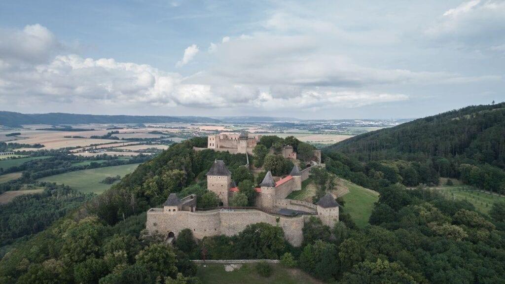 Spektakularna rekonstrukcja i renowacja zamku Helfštýn - projekt Atelier-r - foto BoysPlayNice