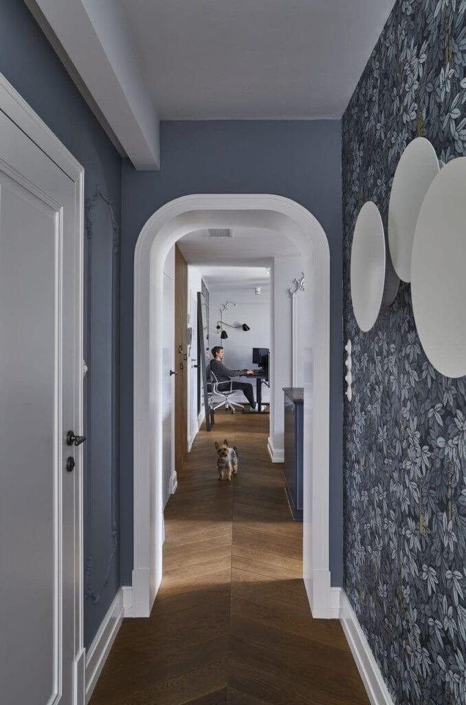 Stumetrowy apartament w kolorze burzowego błękitu - projekt Anna Koszela Architekt Wnętrz - foto Michał Mutor