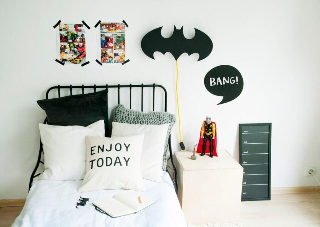 7 pomysłów na designerski prezent na Dzień Dziecka - Lampka nocna Batman - NOBOBOBO
