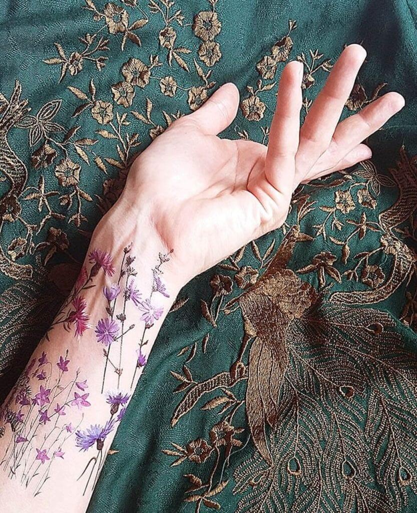 7 pomysłów na designerski prezent na Dzień Dziecka - Zmywalne tatuaże Kwiaty polne - Las i Niebo