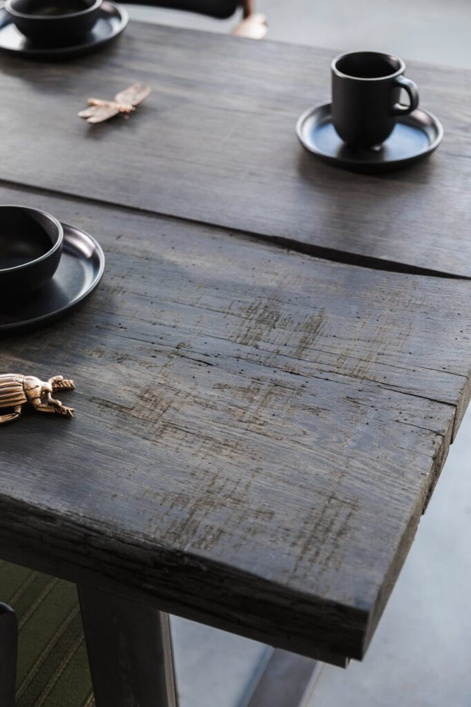 In Wood We Trust - wyjątkowe stoły z litego drewna
