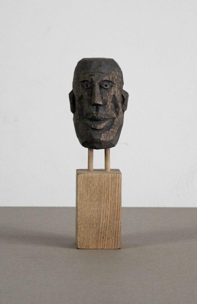 Maska 2 - kompozycja z drewnianych odpadów budowlanych - foto Bartosz Mucha