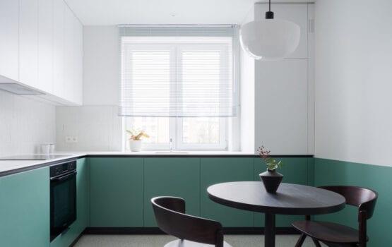 Retro i nowoczesność w 55-metrowym mieszkaniu od pracowni 3XEL
