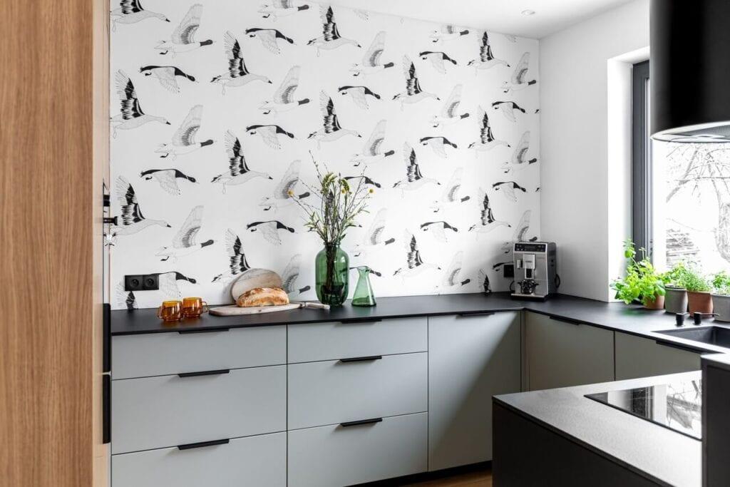 Wyjątkowa tapeta w kuchni - foto INKADR Fotografia wnętrz Natalia Kaczmarek