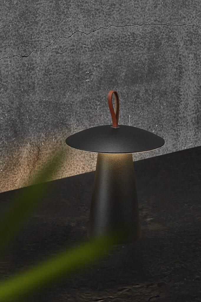 Wybieramy oświetlenie do ogrodu i na balkon – porady i inspiracje - Ara