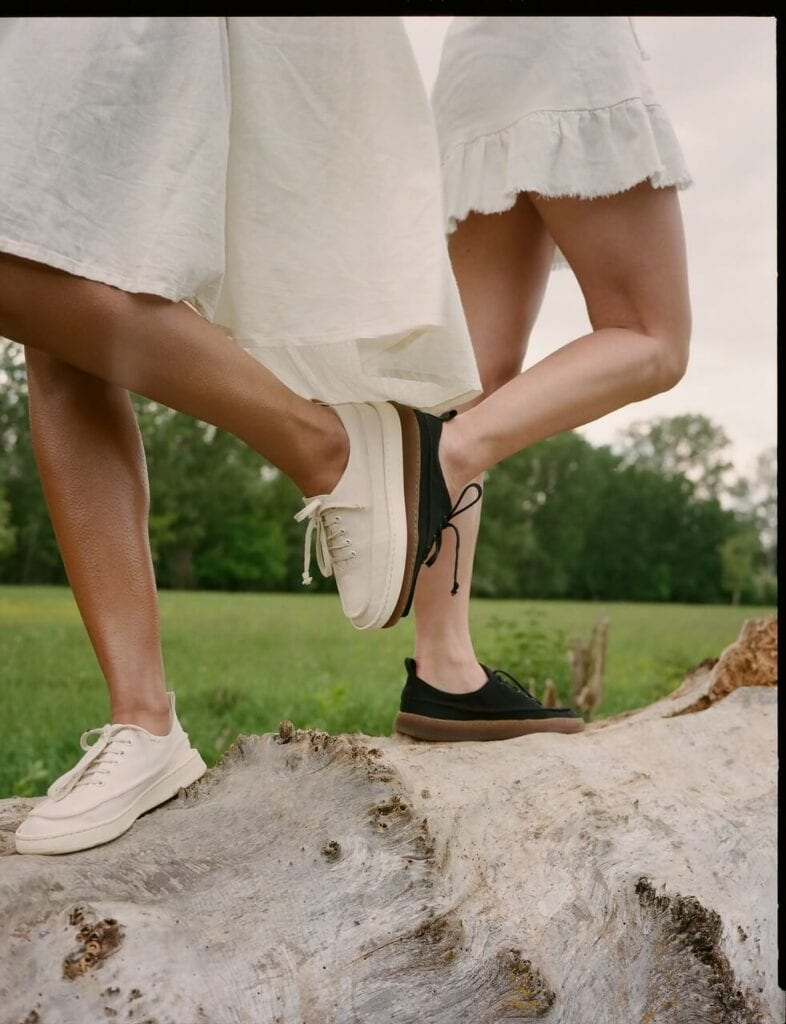 Down to earth - Balagan Vegan Bio - pierwsza w Polsce kolekcja biodegradowalnych butów - foto Balagan Studio